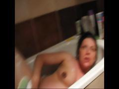 amateur pregnant hanna naked shower tits ass nude