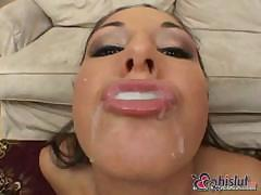 Several guys enjoying the outstanding oral skills of Isabella Pacino