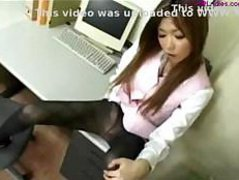 Office Lady In Pantyhose Fingering Herself On The Desk In The