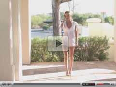 Julia Crown  Walks nude and play whit pussy out doors