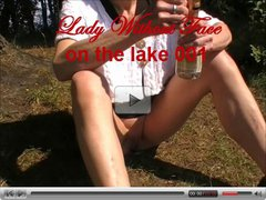 LadyWithoutFace on the lake 001