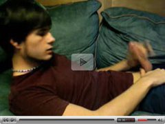 Young boy wank and cum on webcam
