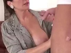 Cuckolds wife gets creamed