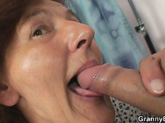 Her old hole gets stuffed with dick