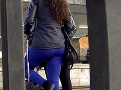Candid - Teen Ass At Train Station