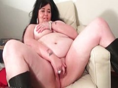 Dirty fat whore gets her cunt finger