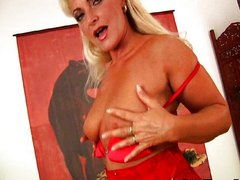 Mature housewife plays with sex toy