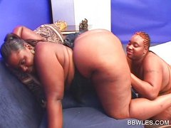 Close-up with ebony fat pussy getting licked