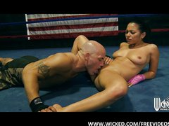 Adrianna Luna gives her trainer an amazing BJ