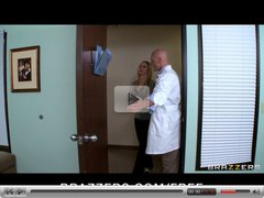 Brazzers - Natural-tit blond teen Molly Bennett fucks doctor