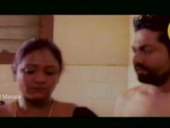 hot aunty shakeela bathing