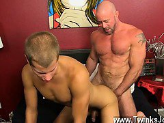 Amazing gay scene Muscled hunks like Casey Williams love to