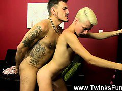 Twinks XXX The stud comebacks home not sure what to expect w