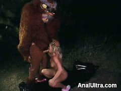 Horny lady Lea de Mae and her fuck buddy go for a shameless