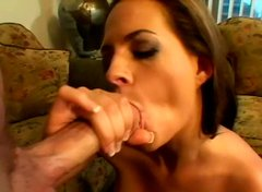 Cheesecake brunette hottie gets anal fucked doggy