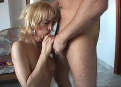 Hungry for cock mature mom is working her mouth hard giving awesome blowjob