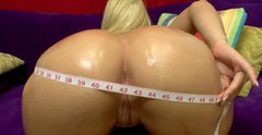 Bubble butt blonde Alexis Texas gives amazing an blowjob to her lover