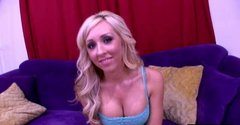 Bubble butt blonde Jessica Lynn showing off her big juicy tits