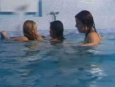 Three foxy bitches get into pool to stroke their pussies under water