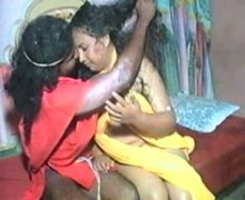 Chubby Indian whore drives her horny lover crazy in bed