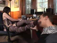 Brunette Lisa Marie gets her toes and twat licked properly
