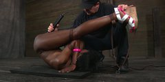 Ebony  girl Ana Foxxx moans hard while getting he rpussy vibrated