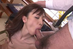 Anorexic brown haired babe Hanai Kanon gives sloppy deepthroat blowjob