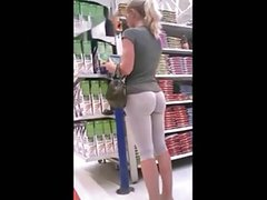 hot ass girl in yoga pants