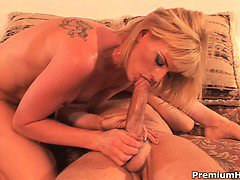 Blonde mom Darryl Hanah seduced, fucked up and got her