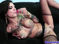 Lezdom slut strapon fucks her in the ass