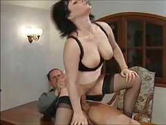 FRENCH BRUNETTE MATURE MILF - PUSSY AND ANAL FUCKING
