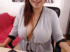 Big Boobed BBW beauty on webcam