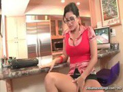 Gorgeus Sunny Leone Playing With Herself.