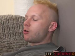 Horny twinks lick hot feet and fuck hard