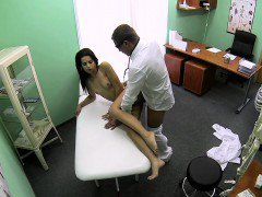 Slim babe gets creampie in fake hospital