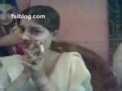 punjabi beauty parlour owner - XVIDEOS.COM