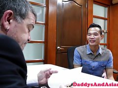 Tight asian twink analfucking office daddy