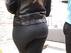 Candid gorgeous teen Pawg in leggings!!2