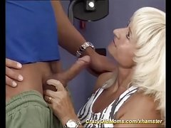 strong muscle mom fucked