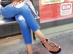 Candid big sexy feets,sexy red long toes.. station