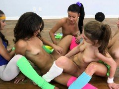 Yoga lesbians pussylicking in flexible group