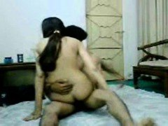 Hot indian girl sucks and fucks on cam