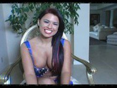 JuliaReaves-XFree - Girls De Luxe - scene 2