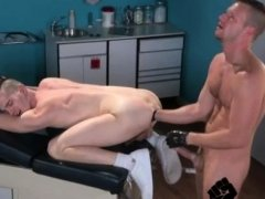 Fist en cum gay Axel Abysse gets naked and elevates his