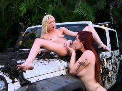 Veronica Vain at the car wash with Piper Perri