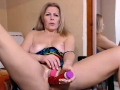 Stunning Mature Masturbating Her Cunt On Webcam