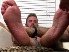 Gay porn hunk big feet first time Aaron Bruiser Lets Me