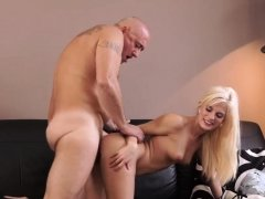 Fucking daddy while he drives xxx Horny blondie wants to