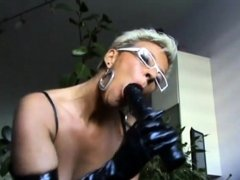 German mature milf showing hot to suck a dick