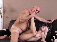 Old lady xxx Horny blond wants to attempt someone little
